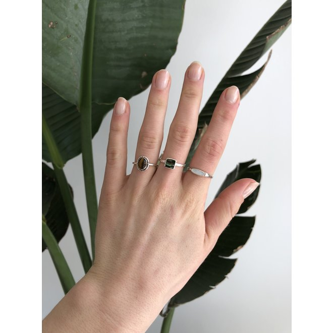 Silver Ablone Shell Square | zilveren ring