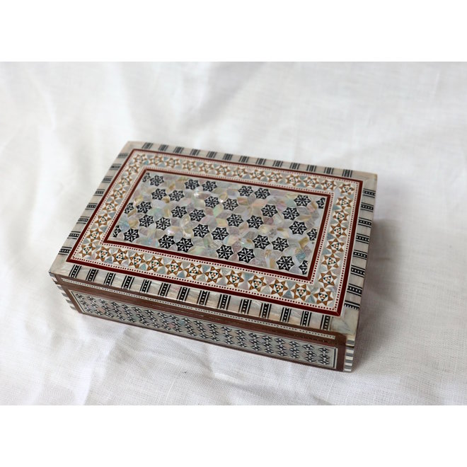 Mother Of Pearl Jewelry box - 20x12,5x5,5 cm