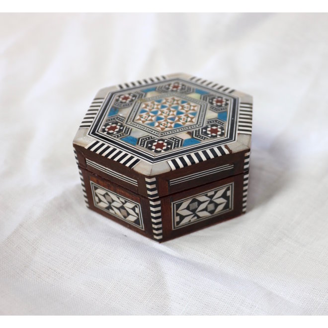 Mother Of Pearl Jewelry box - 11,5x10x5cm