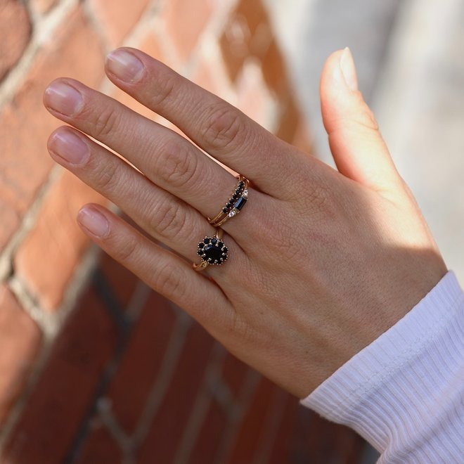 Black Spinel Baguette ring | 9K Solid Gold