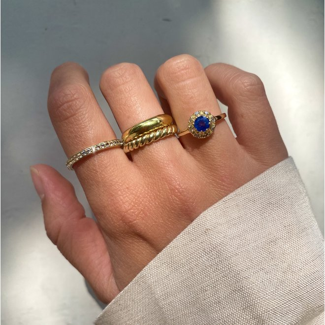 Vintage Sapphire ring gold