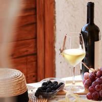 Heeft een wijnglas in de vaatwasser effect op de smaak?