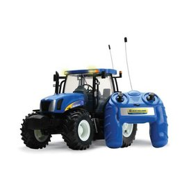 Britains BRITAINS RADIO CONTROLLED NEW HOLLAND T6070 TRACTOR