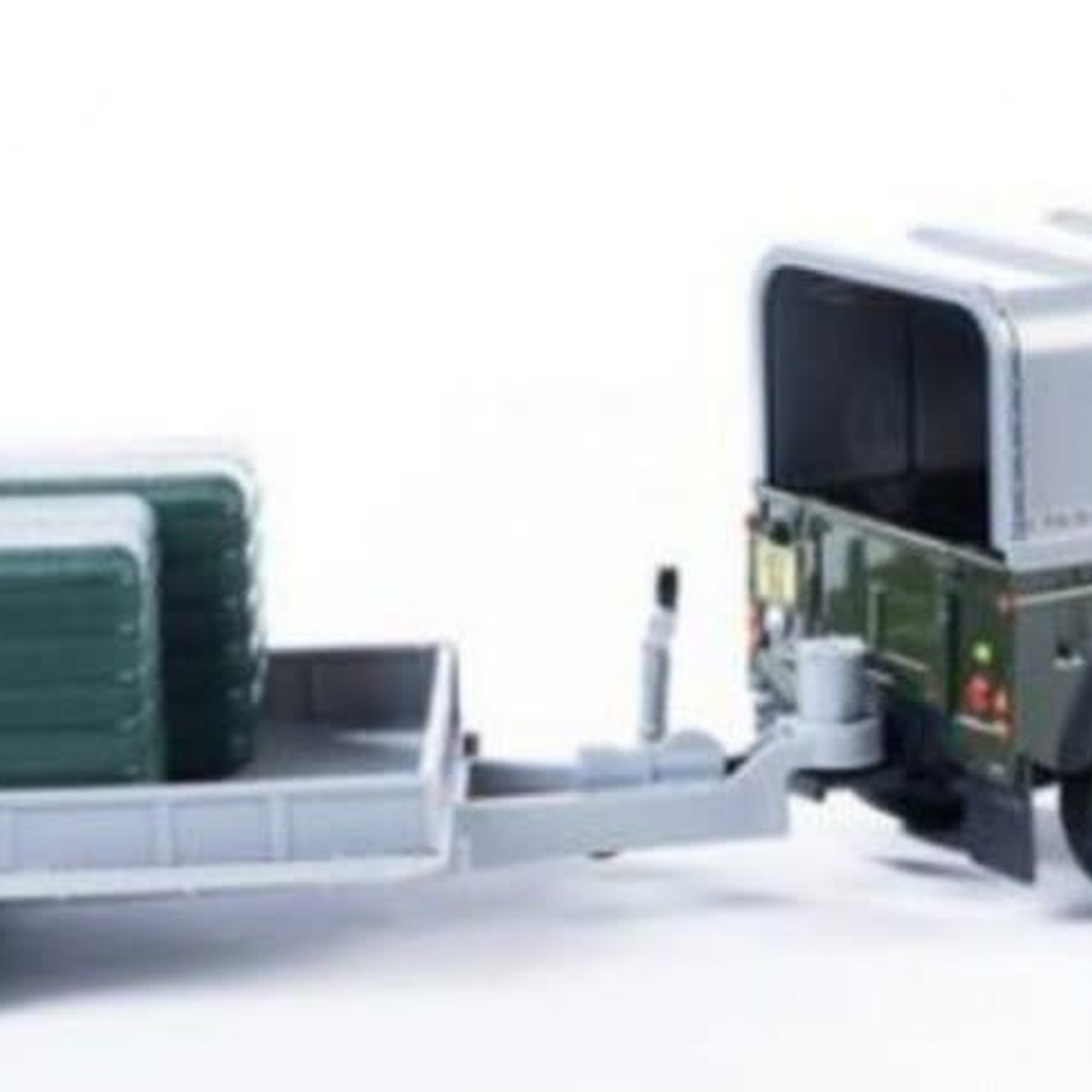 Britains BRITAINS BIG FARM LAND ROVER WITH GENERAL PURPOSE TRAILER AND 2 LARGE GREEN BALES (DISC)