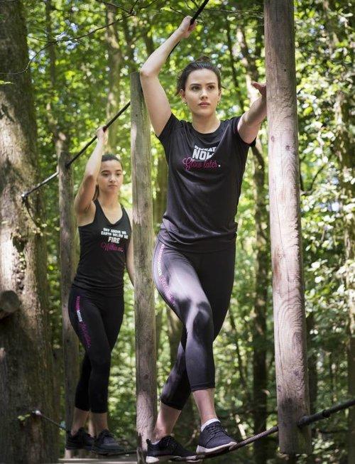 WARRIOR WOMEN T-shirt: Sweat now, Glow later (zwart)