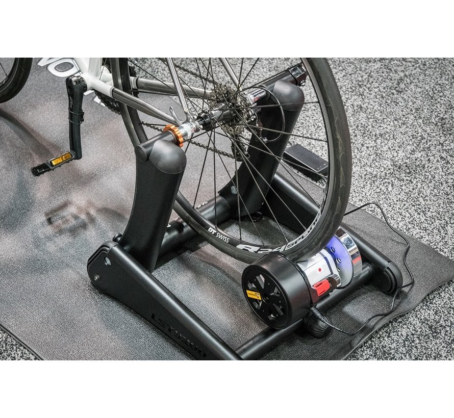 Minoura LiveRide smart ride trainer Kagura