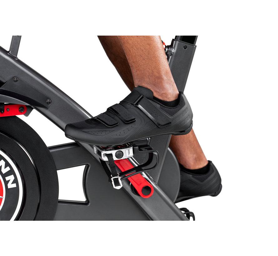 Schwinn IC8 Spinbike - met Zwift en Ridesocial