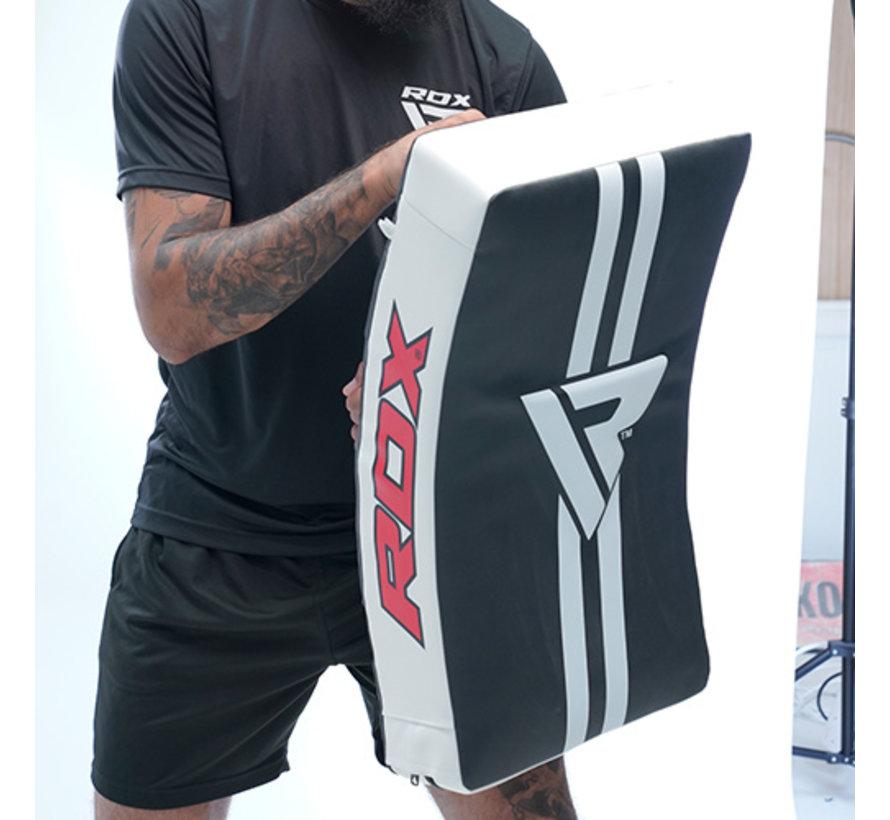 RDX T1 Gel Padded Curved Kick Shield met Nylon Hendels