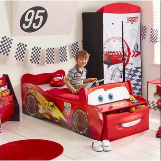 WORLDS APART Cars McQueen junior autobed