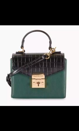 Pauls Boutique The Westport Collection Sadie Dk Green/Black