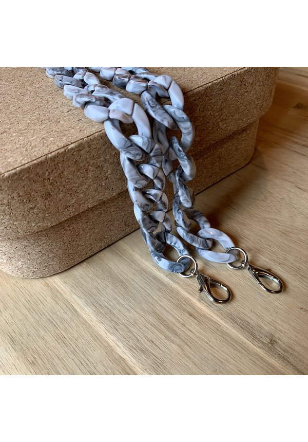 Chain Handle Marble Short