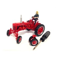 Replicagri Farmall C Row crop tractor (1:32)