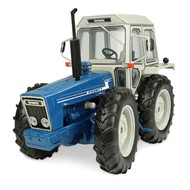 Universal Hobbies 5271 - Ford County 1174 Tractor (1:32)