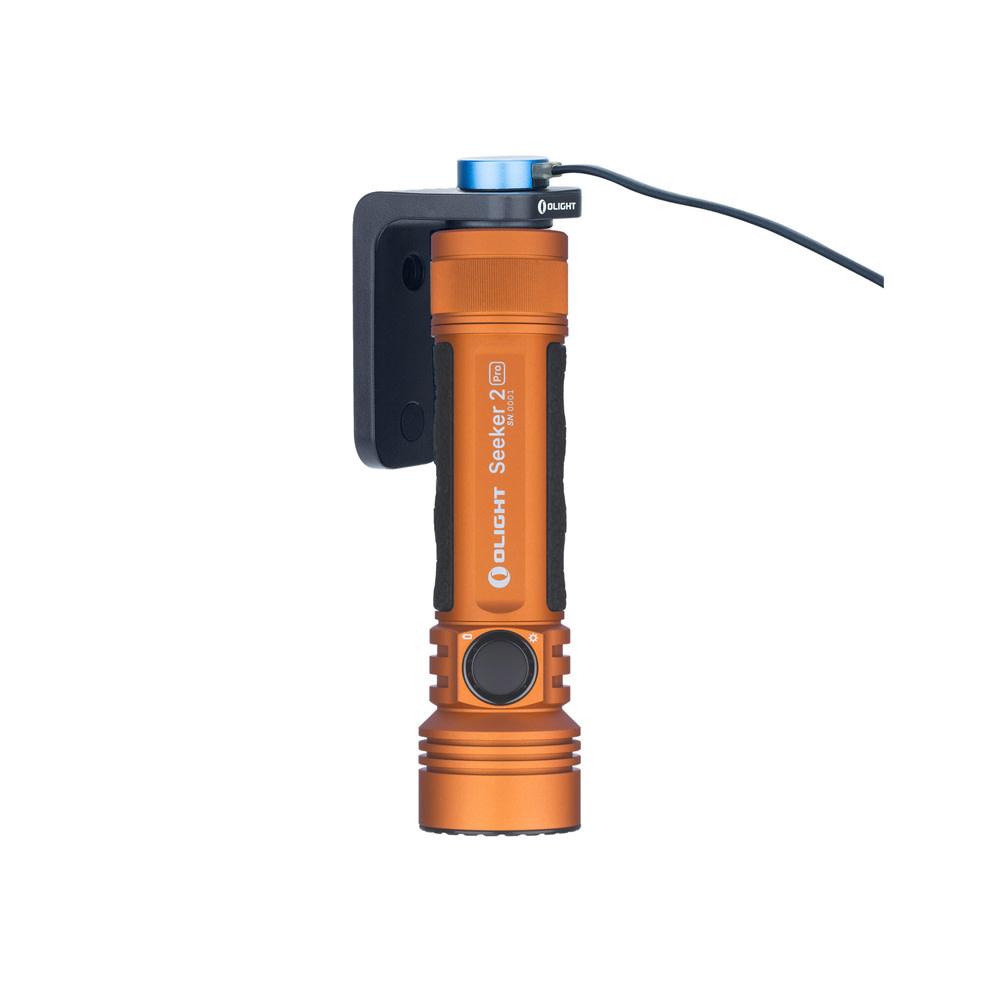 Olight Seeker 2 Pro Orange + L-Dock Limited Edition-1