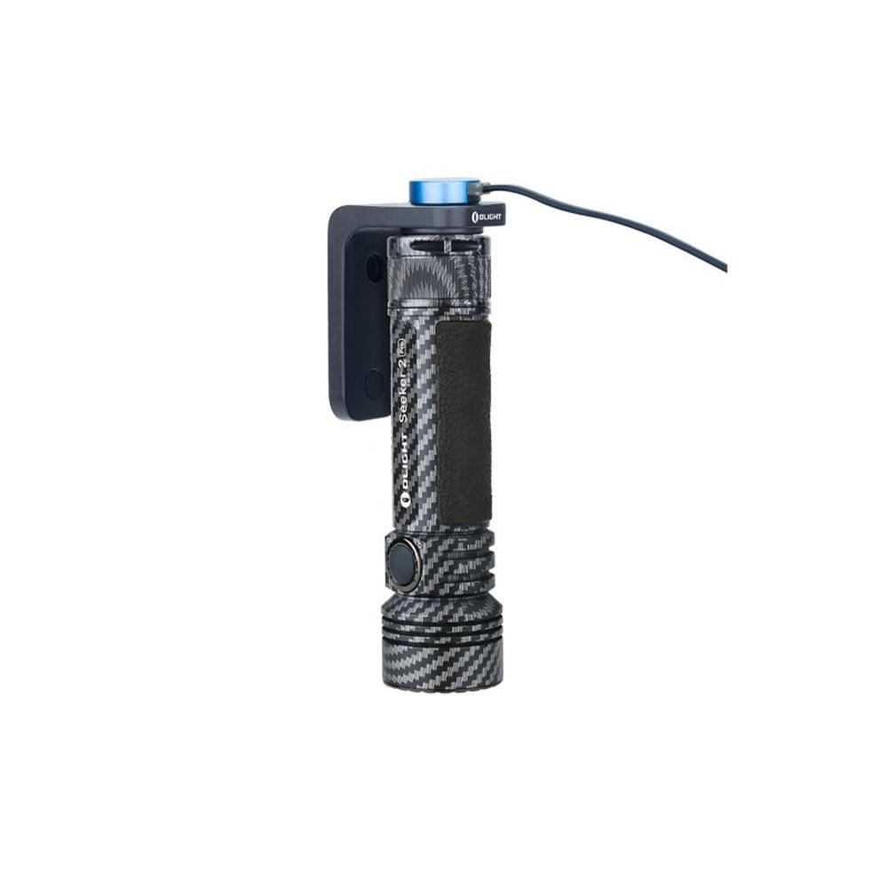 Olight Seeker 2 Pro Carbon + L-Dock Limited Edition-2