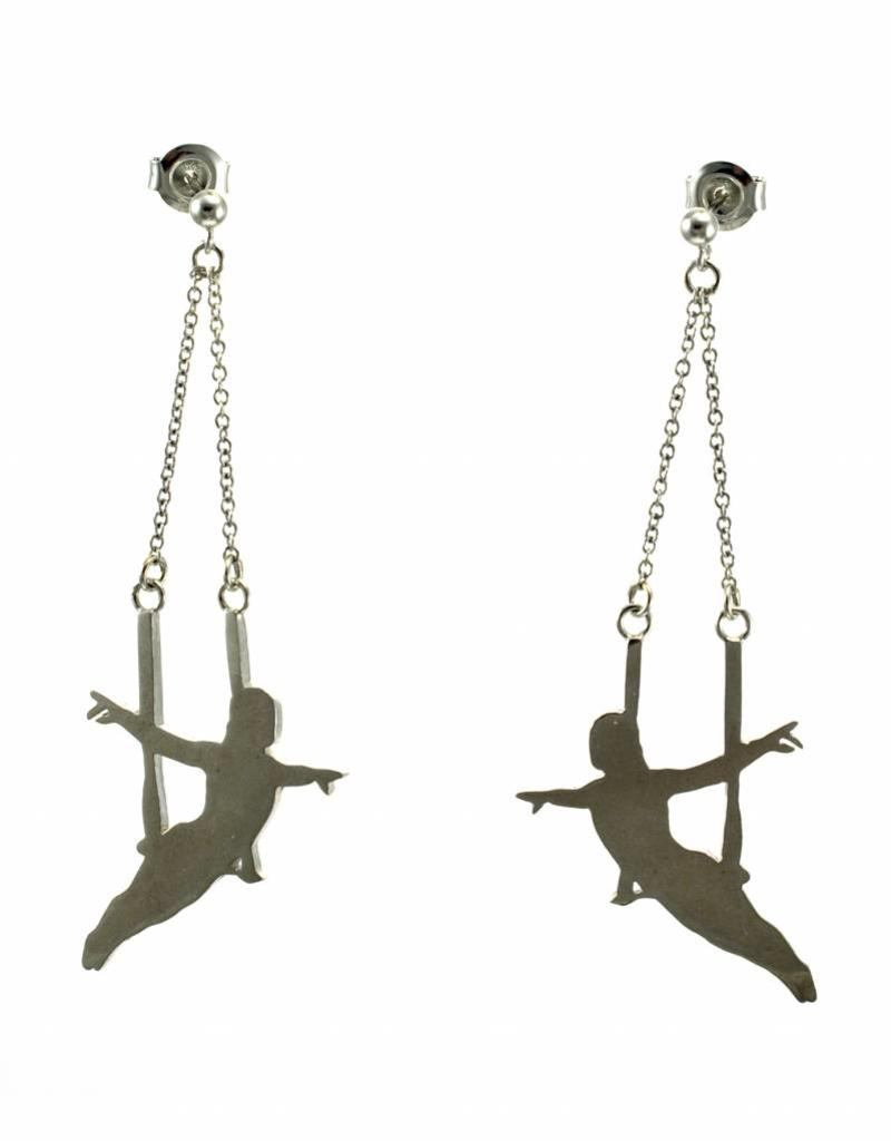 Oorstekers trapeze artiest