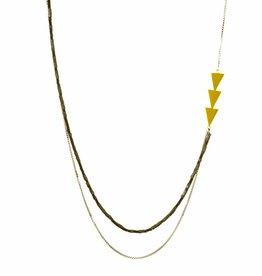 Long necklace arrows