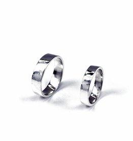 Rebels & Icons Wedding ring 'rough'