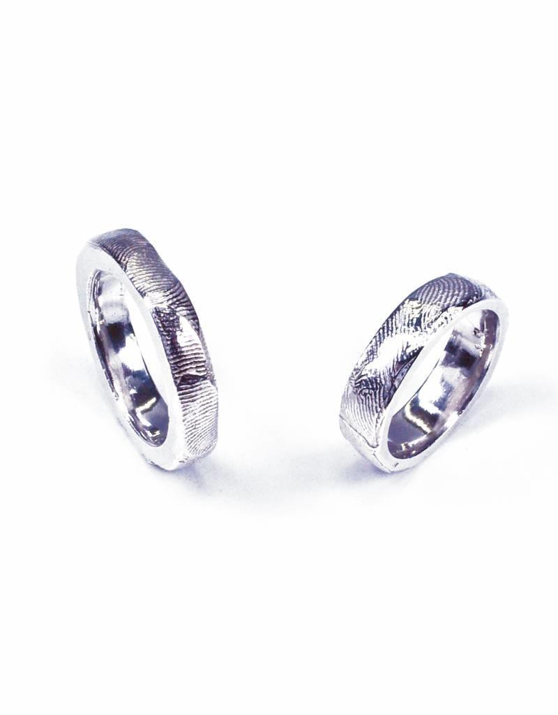 Rebels & Icons Wedding ring 'fingerprints'