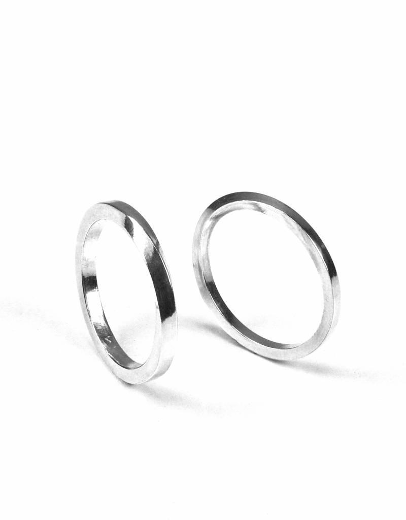 Wedding ring 'twist'