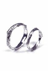 Wedding ring 'bark'