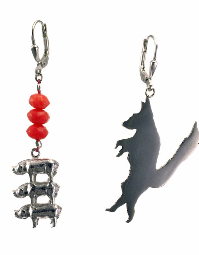 Rebels & Icons Earrings 3 little pigs & big bad wolf