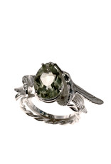 Rebels & Icons Ring flower, hummingbird & green amethyst