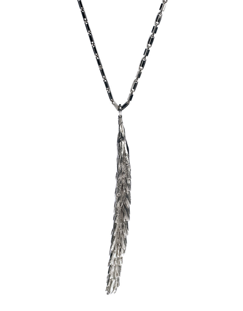Heroes Necklace Back To Nature