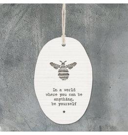 6313 Porcelain hanger bee-In a world