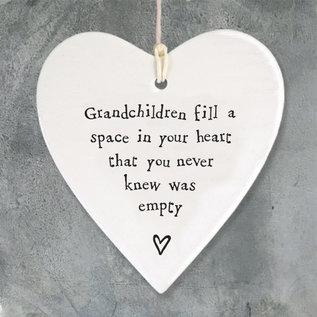 EastOfIndia 4198 Porcelain round heart-Grandchildren fill space