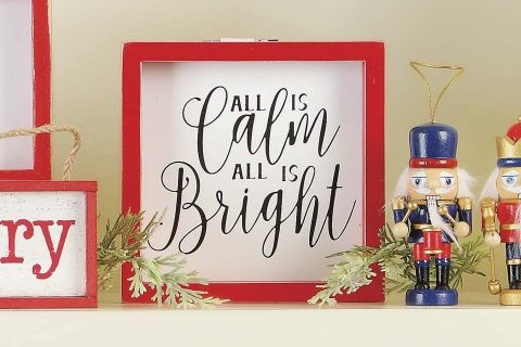 ALL CALM ALL BRIGHT ACCENT RED WHITE WOOD 6 INCH