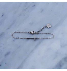 Zag Bijoux Zag Bijoux Bracelet Cross Zilverkleurig
