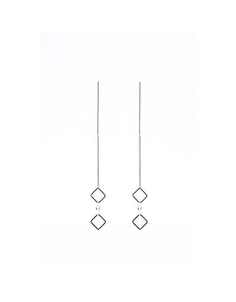 Karma Karma pull through earrings triple square Zilver