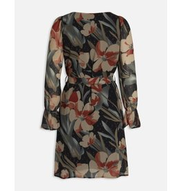 Sisters Point Sisters Point Noki Dress Black/Stone Flower