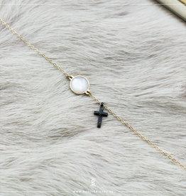 Zag Bijoux Zag Bijoux Bracelet Black Cross Rock Crystal Goudkleurig