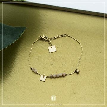 Zag Bijoux Zag Bijoux Goudkleurige Armband Licht Roze Beads