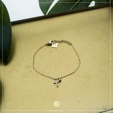 Zag Bijoux Zag Bijoux Goudkleurige Armband Met Kruis