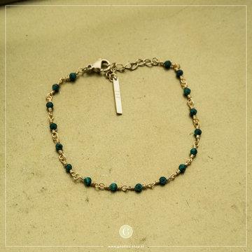 Zag Bijoux Zag Bijoux Goudkleurige Armband Groene Steentjes