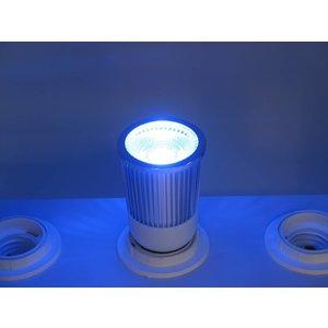 RGB 5 Watt LED-Spot E27 mit IR-Fernbedienung