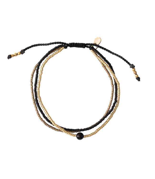 A BEAUTIFUL STORY •• Armband Bloom Zwarte Onyx Goud