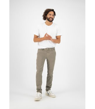 MUD Jeans •• Chino Jeans Redunn - olive
