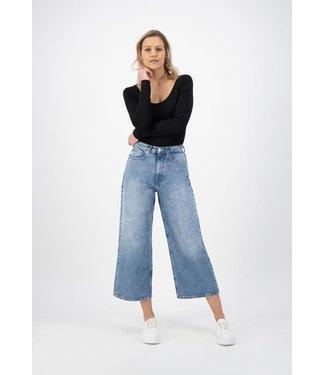 MUD Jeans •• Wyde Sara Cropped