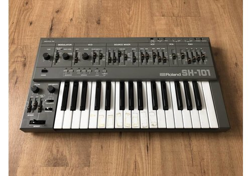 Roland SH-101 (boxed)