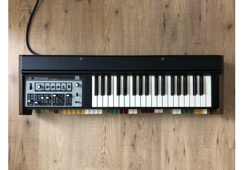 Roland SH-2000 (Boxed)
