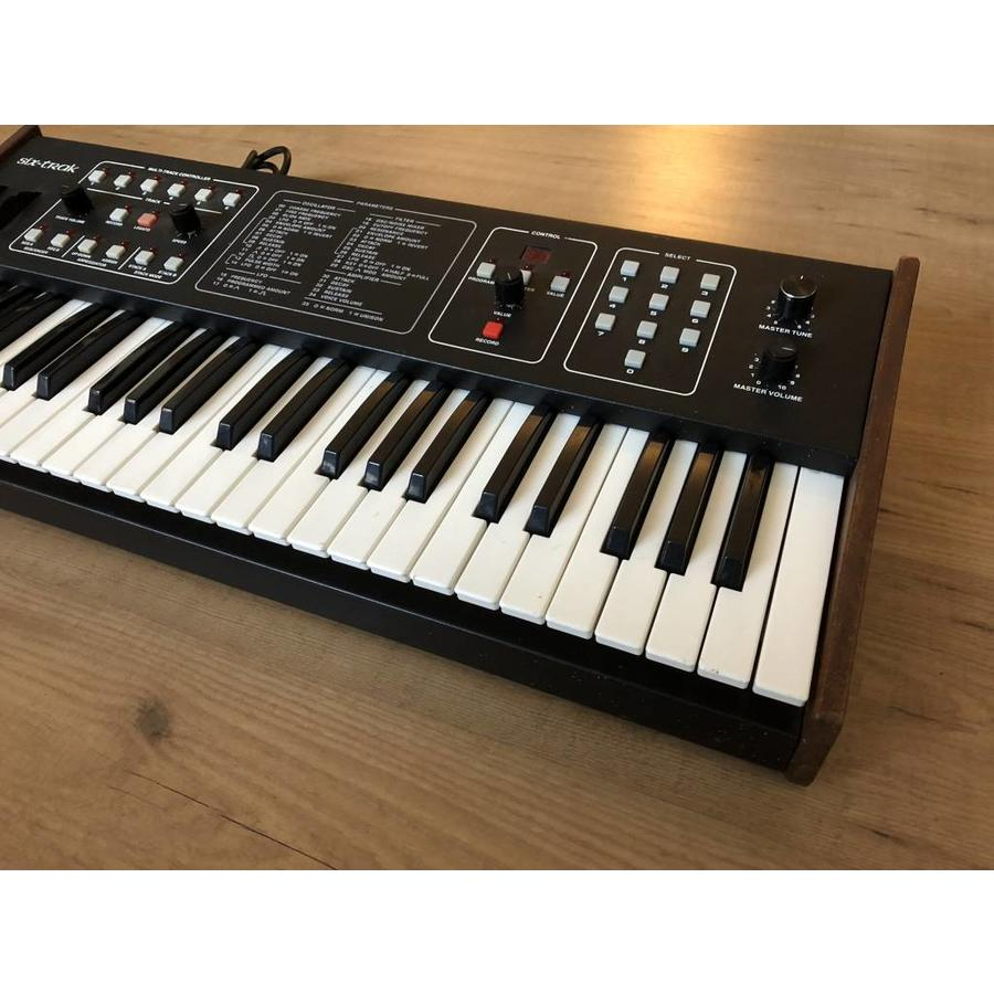 Sequential Circuits Six-Trak