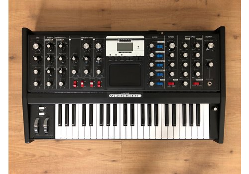 Moog Music Minimoog Voyager Electric Blue