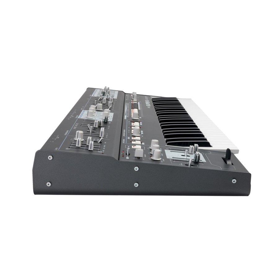 UDO Audio Super 6 Polysynth (black)