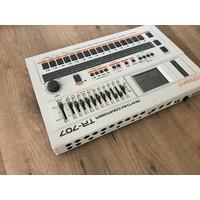 Roland TR-707