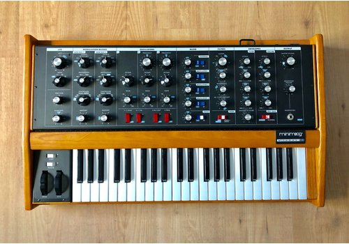 Moog Voyager Old School