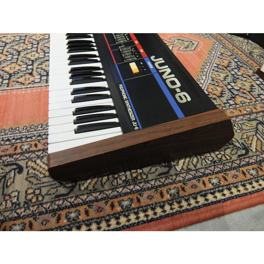 Roland Juno 6